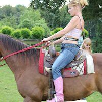 Natasja riding