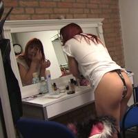 Lola – dressing room