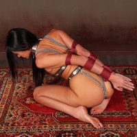 Britney – ultra tight ropes