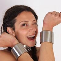 Anahí – new cuffs